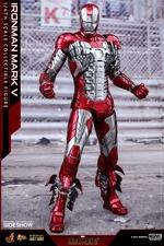 Фигурка Железный человек, доспехи номер V Hot Toys Марвел фотография-03.jpg