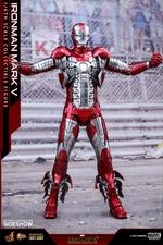 Фигурка Железный человек, доспехи номер V Hot Toys Марвел фотография-06.jpg