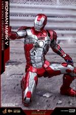 Фигурка Железный человек, доспехи номер V Hot Toys Марвел фотография-08.jpg