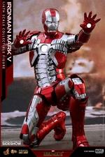 Фигурка Железный человек, доспехи номер V Hot Toys Марвел фотография-11.jpg