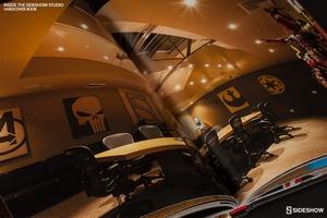 Книга Внутри студии Sideshow Современная среда эпохи Возрождения Sideshow Collectibles Сайдшоутойс, сайдшоу колектиблс фотография-004.jpg