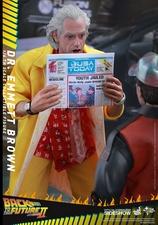 Фигурка Доктор Эммет Браун Hot Toys Назад в будущее фотография-10.jpg