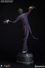 Коллекционная фигурка Joker Arkham Asylum Sideshow Collectibles ДС комикс фотография-05.jpg