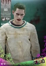 Фигурка Джокер (версия в смирительной рубашке) Hot Toys ДС комикс фотография-06.jpg