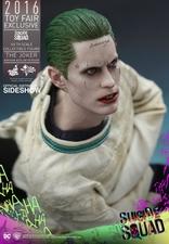 Фигурка Джокер (версия в смирительной рубашке) Hot Toys ДС комикс фотография-07.jpg