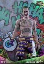 Фигурка Джокер версия в фиолетовом пальто Hot Toys ДС комикс фотография-04.jpg