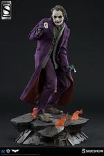 Коллекционная фигурка Джокер Темный рыцарь Sideshow Collectibles ДС комикс фотография-03.jpg