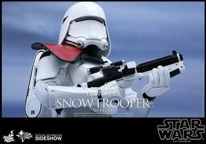 Фигурка Сначала закажите чиновнику Snowtrooper Hot Toys Звездные войны фотография-07.jpg
