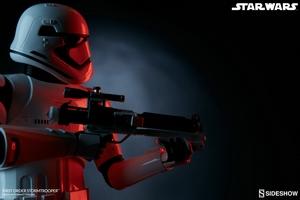 Коллекционная фигурка Штурмовик Первого ордена Sideshow Collectibles Звездные войны фотография-12.jpg